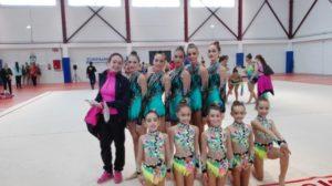 Benjamines y seniors precopa del Gimnasia Rítmica Huelva en el torneo de Lebrija.