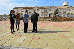 20160120 Visita obras PROFEA parque infantil Hinojos (2)
