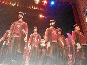 La comparsa de Huelva 'Insomnio', que este jueves actuará en la primera jornada de las semifinales del Carnaval Colombino de Huelva.