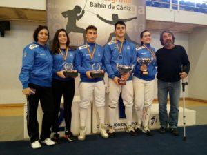 Integrantes del Club Esgrima Huelva.