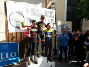 Ciclistas del Monferve La Palma.