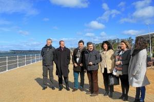 Presidente Puerto, alcalde Huelva y otras personalidades Paseo  Ria