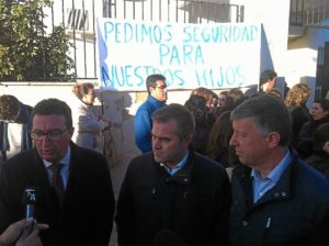protesta pp bollullos instituto 4208