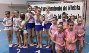 Gimnastas del Club Gimnasia Rítmica Onuba-Ayamonte.