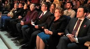La Alcaldesa y el resto de autoridades junto a los representantes de las Hermandades de Isla y Lepe