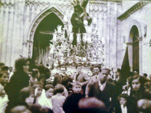 Salida procesional del Gran Poder de 1935 en Isla Cristina.