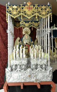 exposicion miniaturas en ayamonte La Virgen del Socorro, obra preferida del autor.