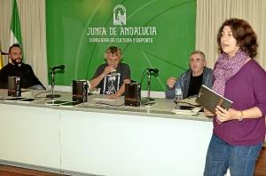 Lourdes Fernandez en la presentacion del acto.