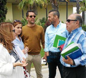 Zamudio con algunos concejales andalucistas tras dejar el pleno.