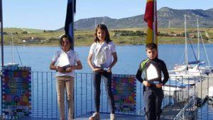 Jóvenes integrantes del Real Club Marítimo de Huelva.