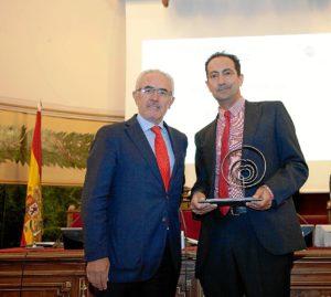 Dr.JuanBayo.PremioECO16
