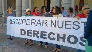 Movilizacion reciente trabajadoras de Limpieza frente al Ayuntamiento de Huelva