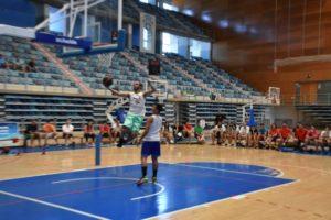 Clinic de baloncesto Andrew Morán.