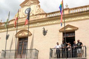 izada bandera orgullo gay
