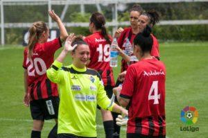 Jugadoras del Cajasol Sporting celebrando la victoria.
