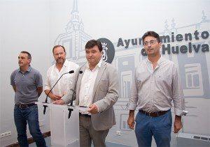 El alcalde de Huelva, Gabriel Cruz, junto a José Luis García Palacios, Narciso Rojas y José Antonio Cabrera.