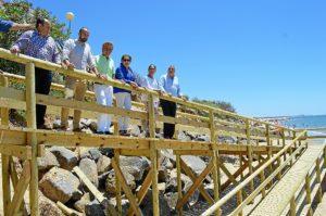 Nueva pasarela de acceso a la playa de El Portil y Nuevo Portil