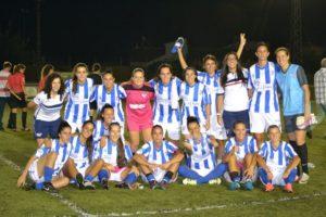 Jugadoras del Cajasol Sporting celebrando el triunfo.