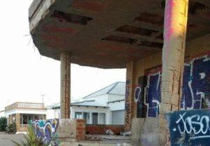 edificio en la antilla en ruinas