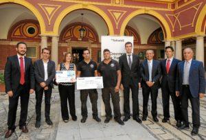 24.9.16 Entrega cheque Creemos en Huelva