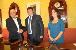 convenio ayuntamiento huelva con resurgir (1)