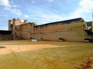 1. Castillo de Moguer. Torre Norte y lienzo.  Construidos en tapial. 2015