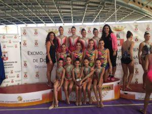 Gimnastas del Club Gimnasia Rítmica Huelva en Dos Hermanas.
