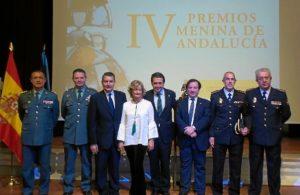 20161123 Premios Meninas galardonada y autoridades Huelva