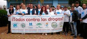 Las autoridades juntoa a representantes de distinas asocacioaciones en la cabecera de la marcha