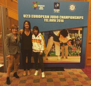 Cinta García y Almudena Gómez en el Campeonato de Europa sub 23 de judo.