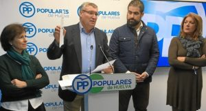 Alcalde de Cartaya valora en la sede del PP la sentencia sobre Giahsa.