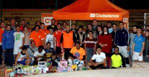 Ciudadanos entrega juguetes recogidos (1)