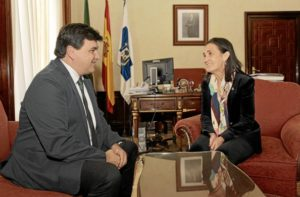 Encuentro institucional alcalde Huelva