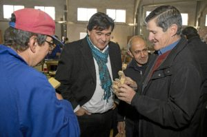 Visita alcalde de Huelva a Aspapronias1.jpg