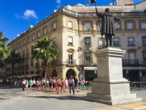 turistas plaza monjas 1 (1)