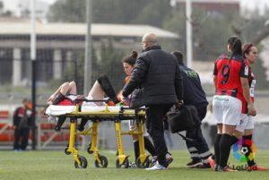 Laura Rus, lesionada de gravedad en el tobillo.