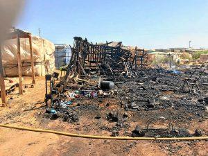 Incendio en el asentamiento de Lepe (1)