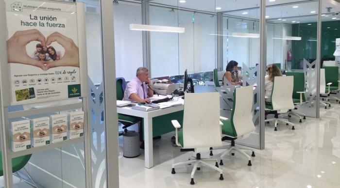 Fitch ratifica el rating de caja rural con bbb for Caja rural del sur oficinas