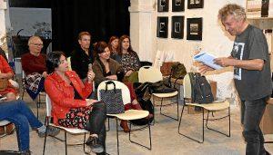 Eladio Orta durante la lectura.