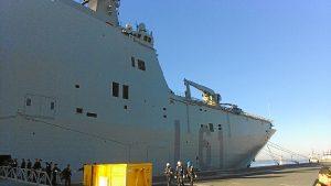 Portaaviones Juan Carlos I en el puerto de Huelva (1)