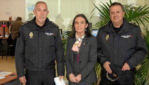 20180205 Comisario jefe, subdelegada y jefe Operaciones Policía Nacional Oficina DNI