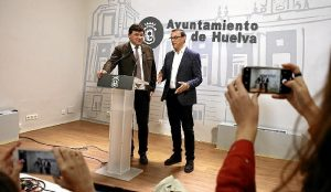 Alcalde y presidente de la Diputación en rueda de prensa (1)