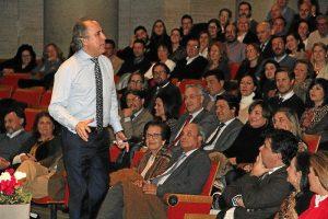 Conferencia de Emilio Duró en Huelva (2)