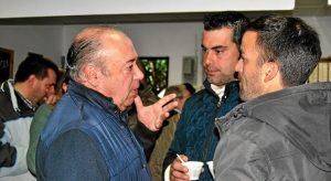 Zamudio charla con otros andalucistas asistentes al acto
