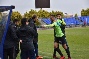 Carlos Lazo celebrando el gol con sus compañeros. (Tenor)