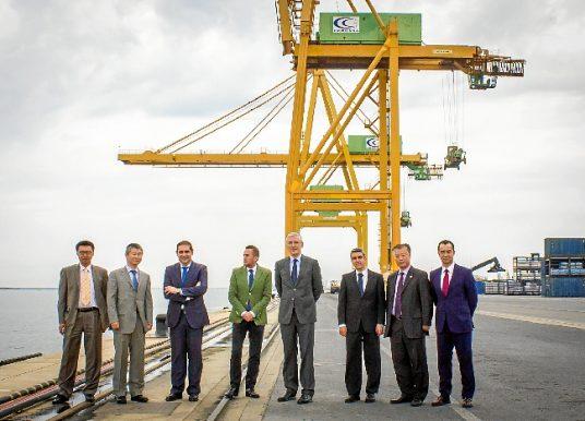 Naviera china se interesa por los servicios del Puerto de Huelva