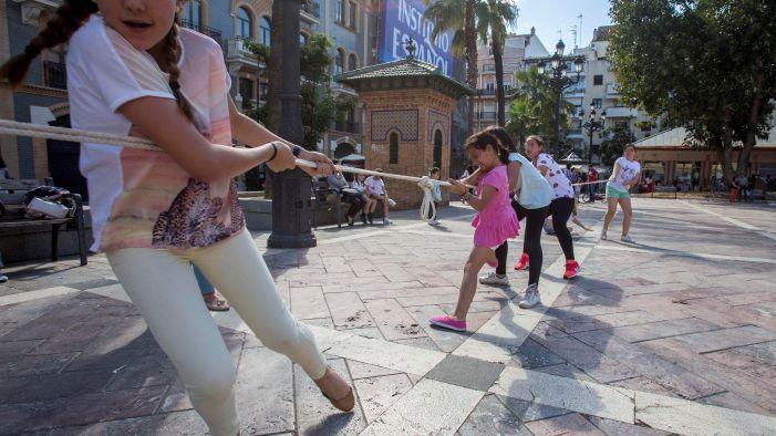 Juegos Tradicionales Protagonizan Una Gymkana En La Plaza De Las Monjas