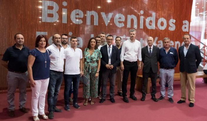 Empresarios del mueble de valverde asisten a la feria for Feria del mueble valencia
