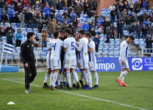 Un Recre enrachado logra su cuarta victoria consecutiva ante el Badajoz (2-1)
